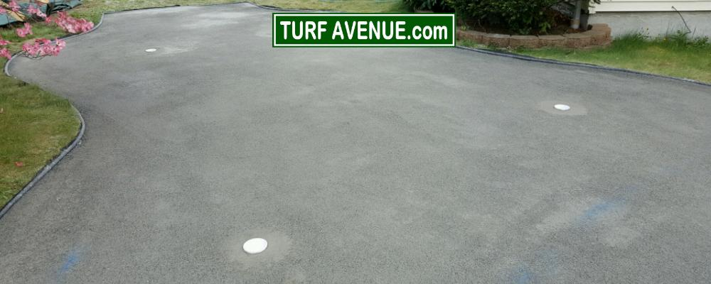 Compacting putting green base